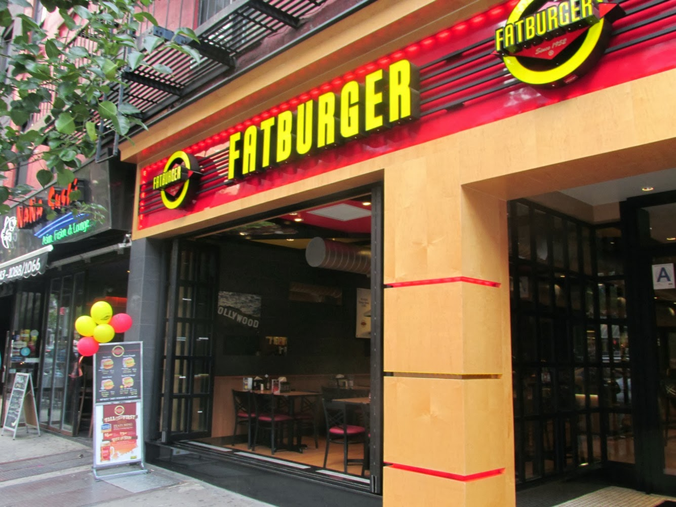 Los Angeles sensation Fatburger is angling to be the next hot burger chain to go public — but investors might not be able to stomach what they see when they read the fine print. On Thursday.