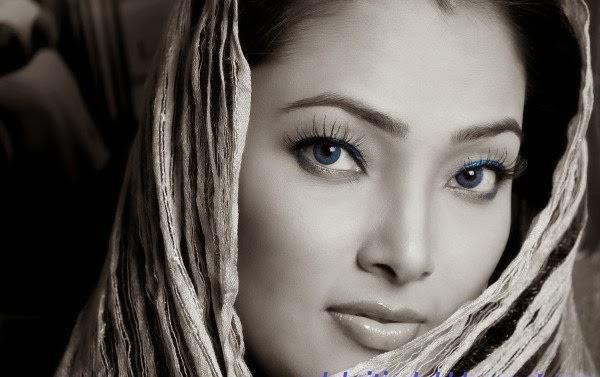 Beautiful Bangladeshi Babe Samia Afrin