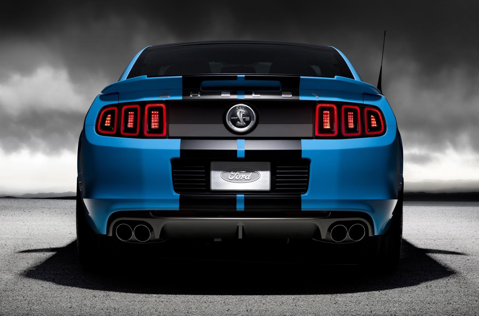 Ford-Shelby-Mustang-GT500-2013-03