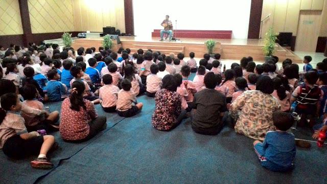 Kak Ojan Pendongeng di Sekolah Global Mandiri Cibubur