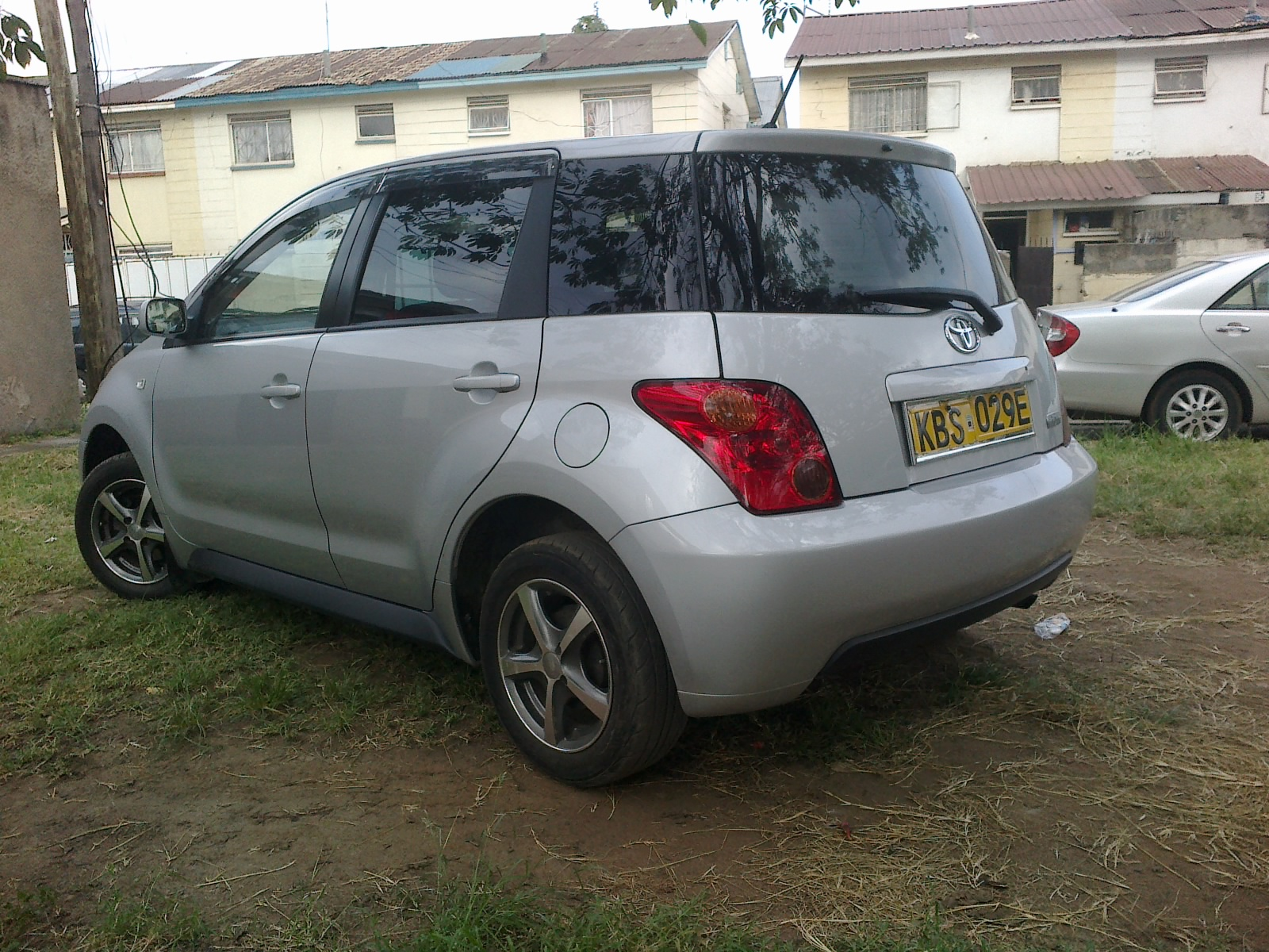 Nairobimail Car For Sale Toyota Ist