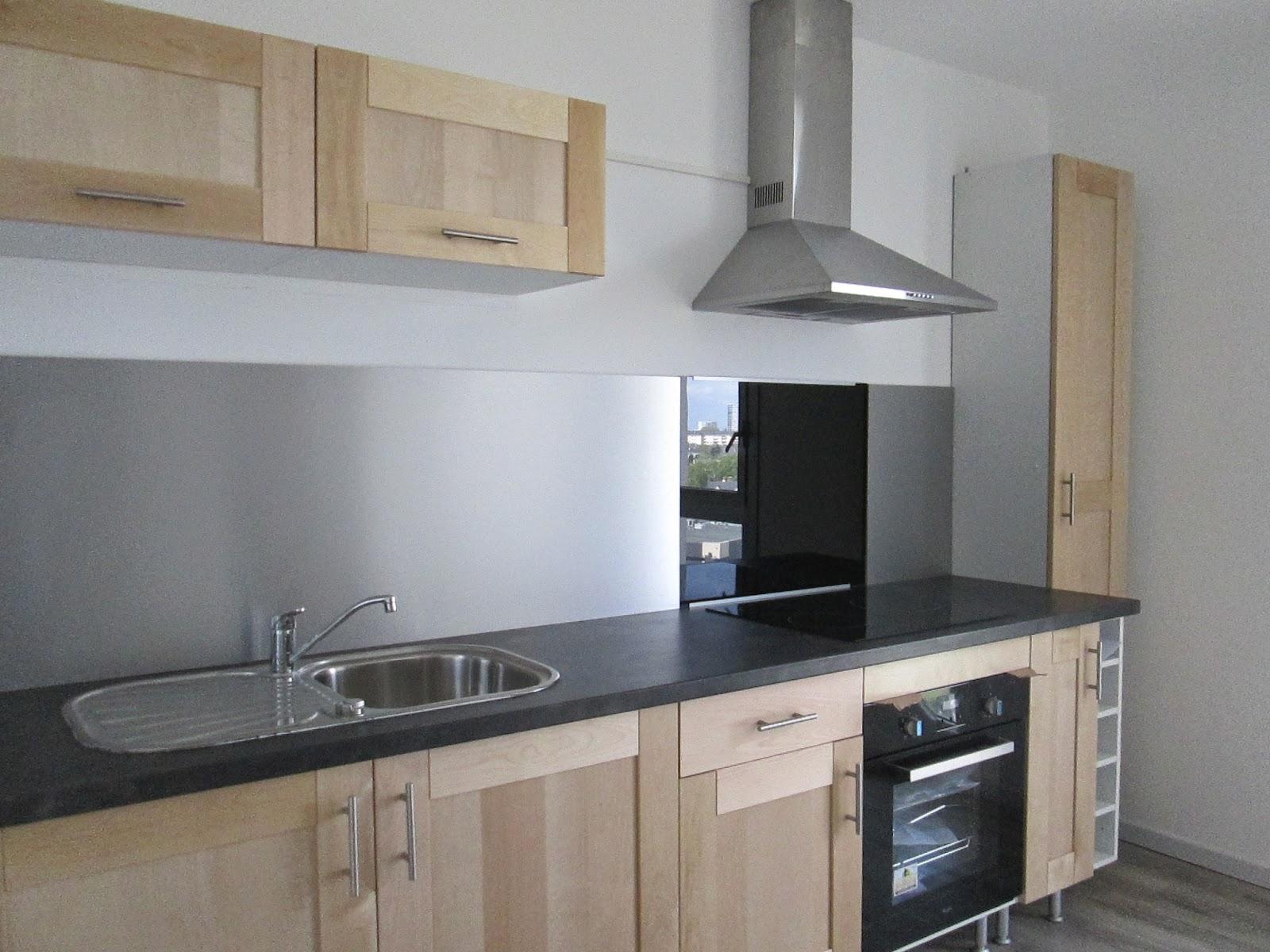 pose plaque induction sur plan de travail. Black Bedroom Furniture Sets. Home Design Ideas