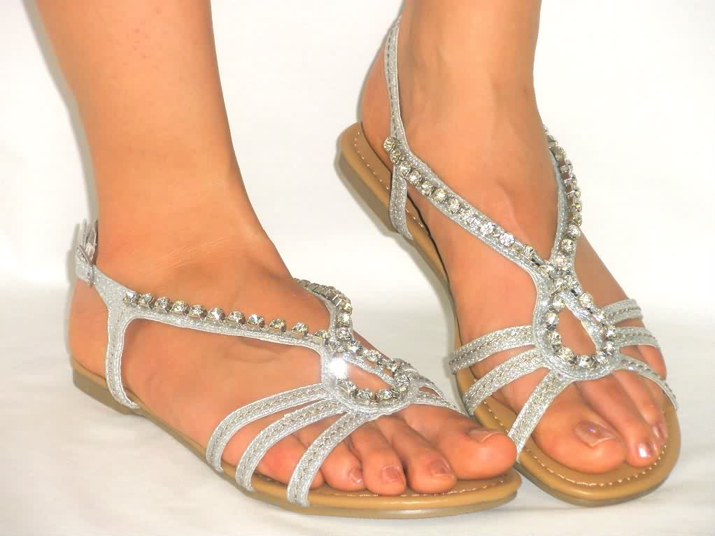 Girls sandals collection ladies shoes - Neeshu.com