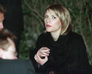 Claire Danes Smoking Cigarettes