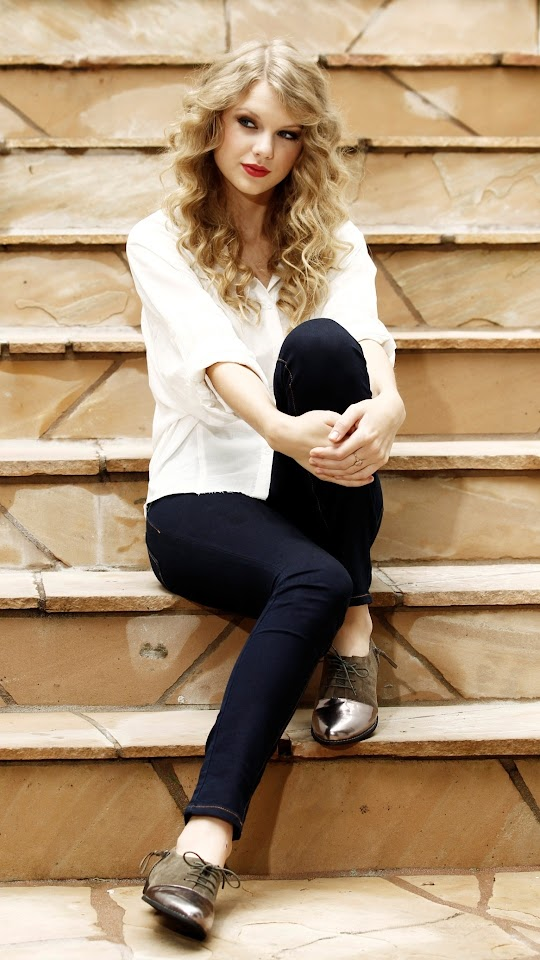 Taylor Swift MS 2010 Galaxy Note HD Wallpaper