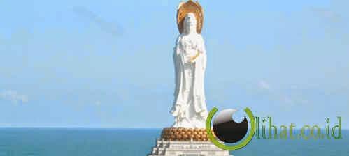 Patung Dewi Kwan Im di China