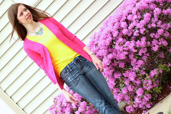 Hand Painted Rhinestone Necklace with T-shirt and Cardigan | StyleSidebar