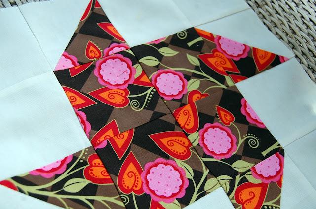 Paper Pinwheel Pattern, 12 inch Swap Block