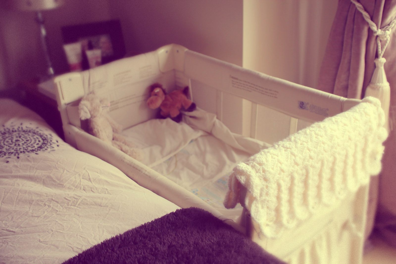 how to get baby to fall asleep in crib