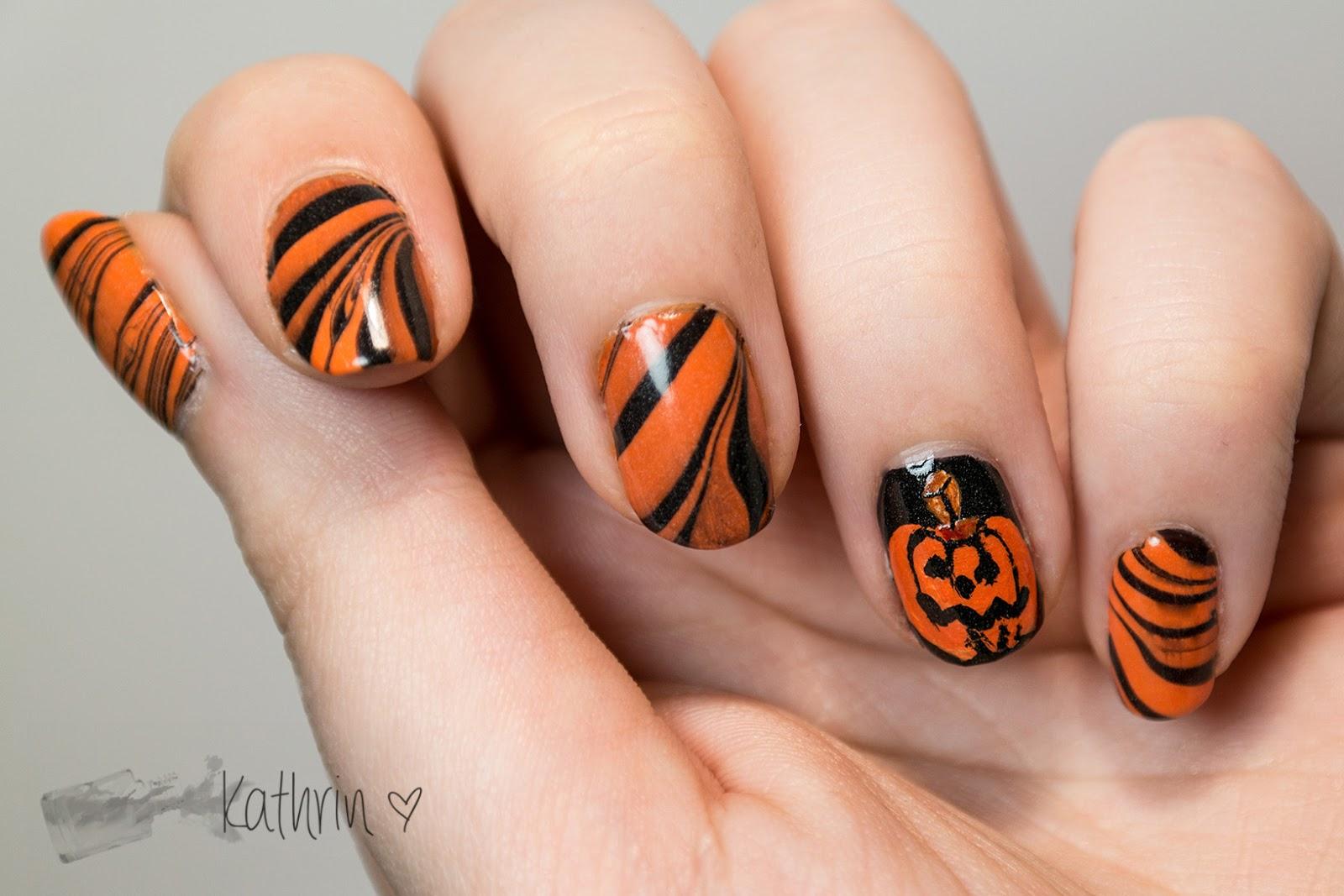 http://rainpow-nails.blogspot.de/2014/10/halloween-der-groe-kurbis.html