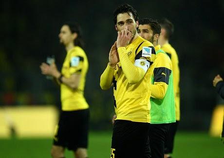 Hummels Setia Di Dortmund