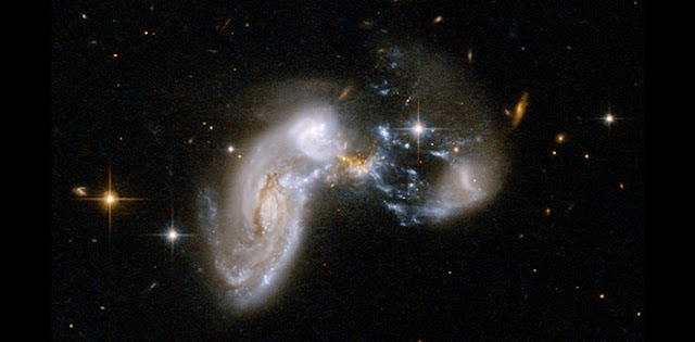 Example of a galaxy merger. Credit: NASA, ESA, the Hubble Heritage Team (STScI/AURA)-ESA/Hubble Collaboration and A. Evans (University of Virginia, Charlottesville/NRAO/Stony Brook University)