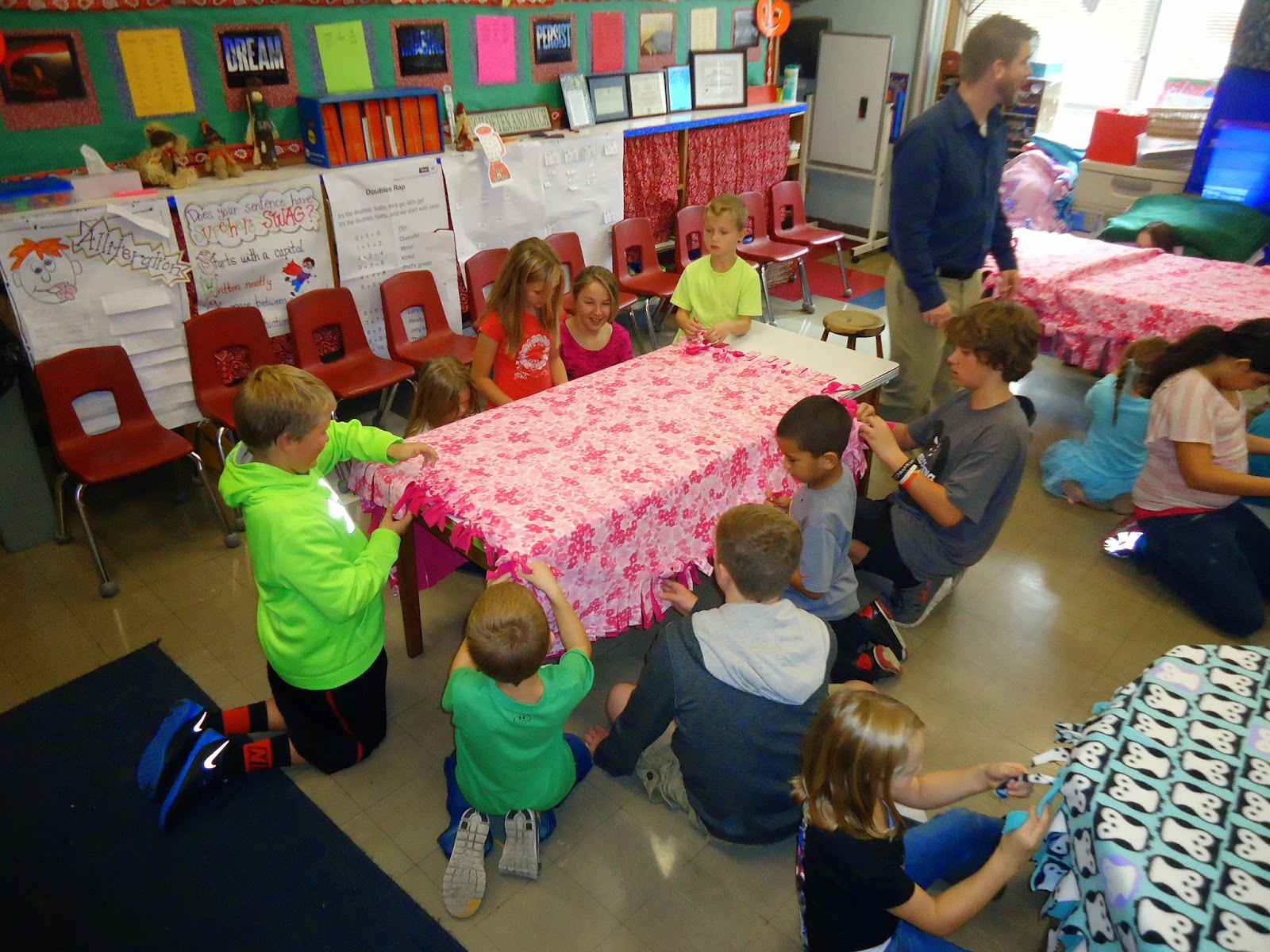 crystal city elementary and jh buzz making blankets with our buddies