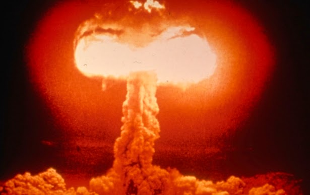 Nuclear weapon mushroom cloud