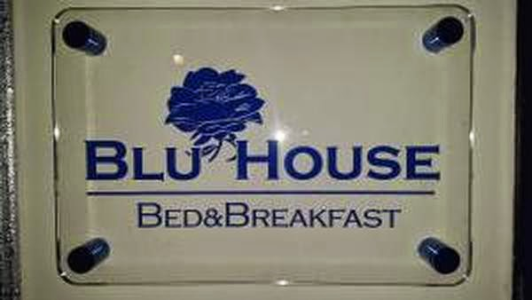 http://www.booking.com/hotel/it/blu-house-bed-amp-breakfast.it.html?label=social_sharecenter_facebook