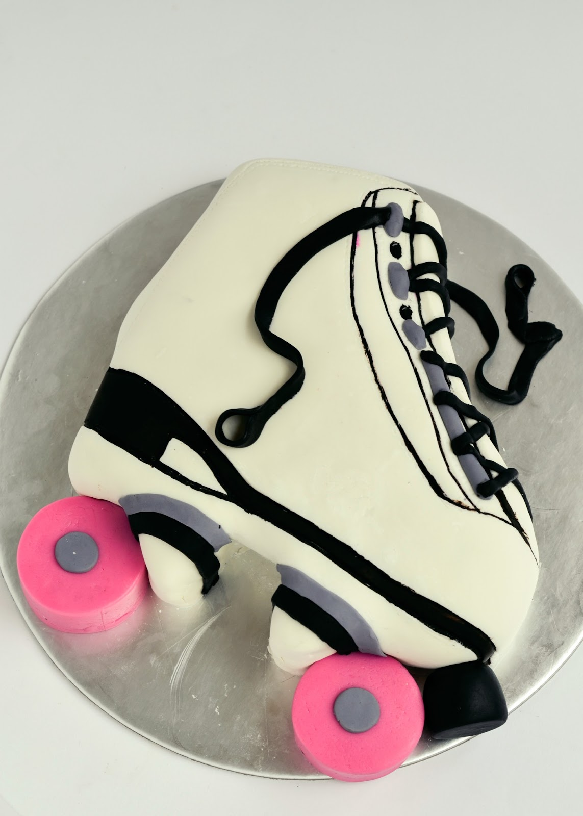 The Secret Lives Of Bakers Roller Skate Birthday Cake With A