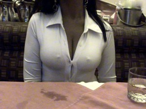 Indian Office girl showing her black bra and big boobs pictures indianudesi.com