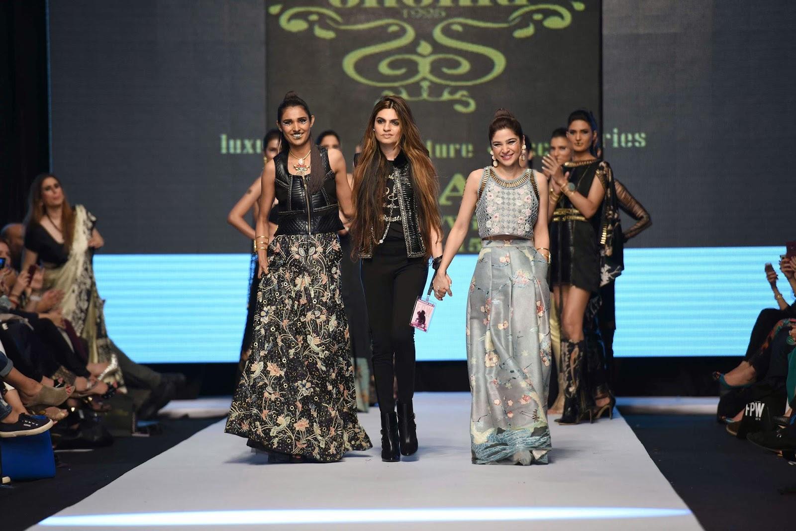 Amna Ilyas, Shehla Chatoor, Ayesha Omar
