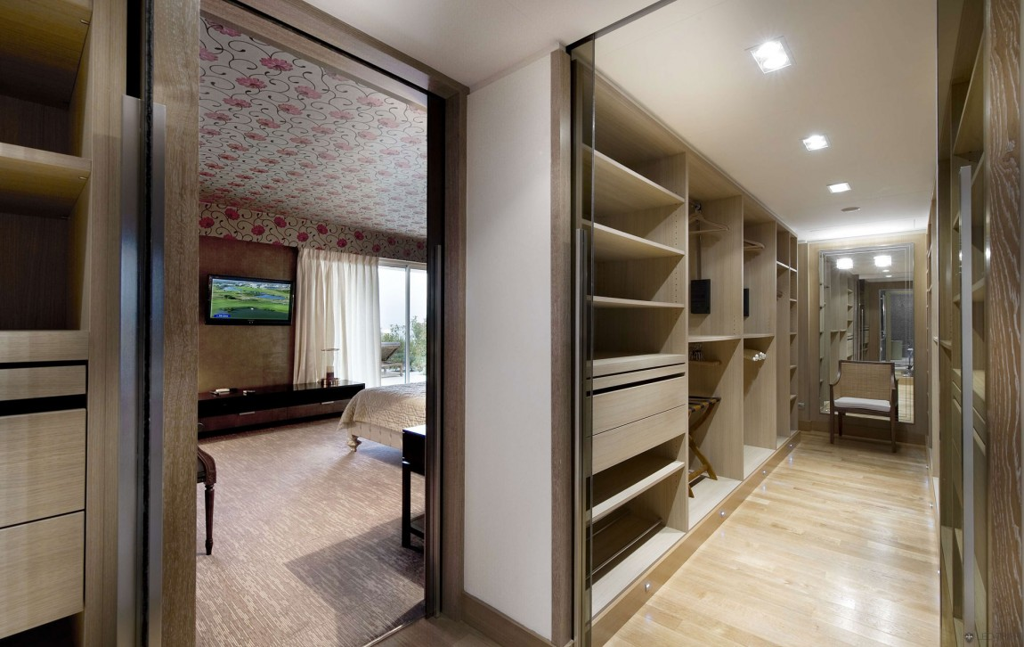 World of architecture beautiful mediterranean modern for Master bedroom with ensuite and walk in wardrobe
