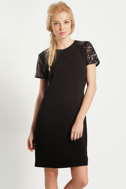 kolları dantelli kısa kesim koton siyah elbise