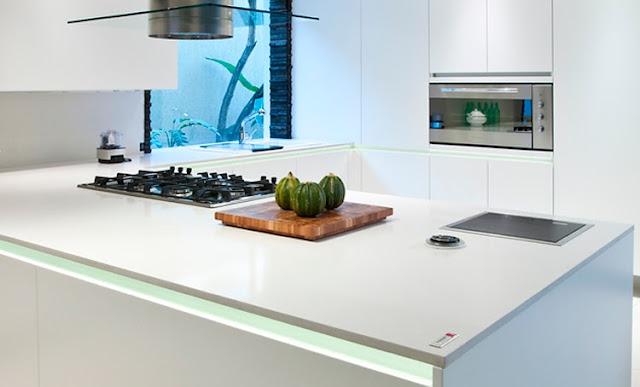 Villa Kivitalo Keittiötasomateriaalit ja niiden kustannukset