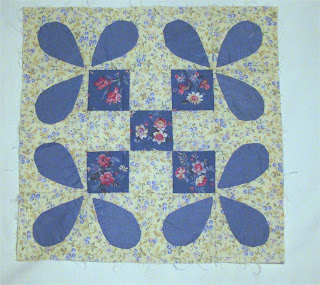 Blue on Beige with Combination Pieced Block and Applique