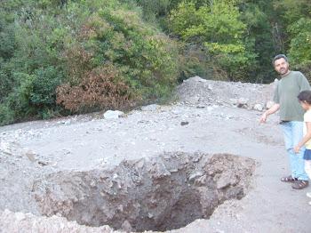 Derrumbe de escombrera sobre dique Vaquerias