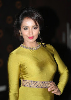 Tejaswi Looks Glittering Sensational in a super tight glittering Khanki Dress at Jatha Kalise Movie Audio Launch