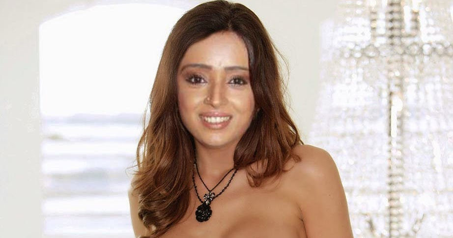 hsu chi fully naked