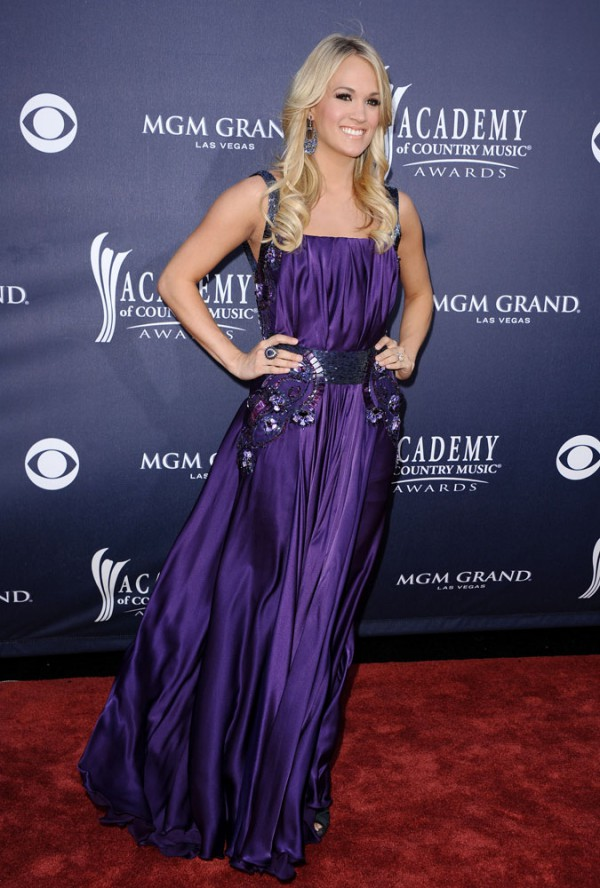 Carrie Underwood 2011 Country Music Awards-2