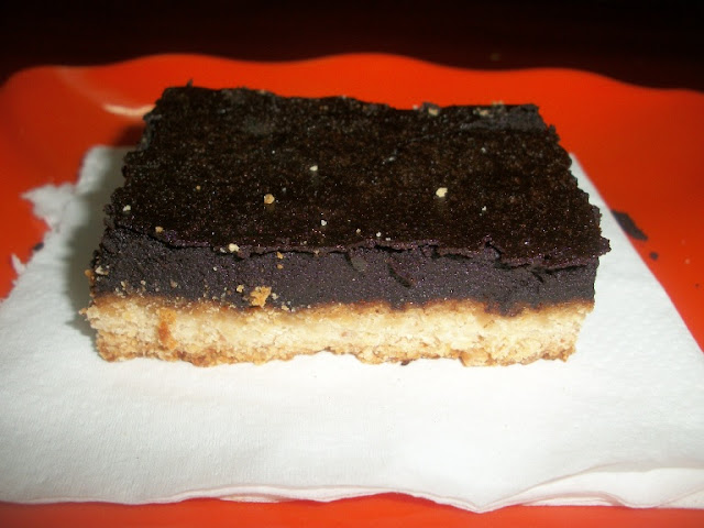 Almond Chocolate Bar