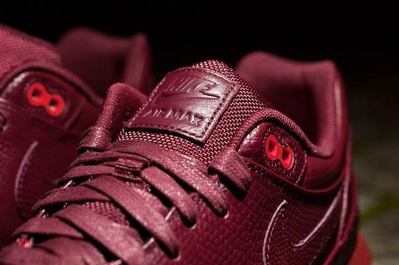 SOLEKITCHEN: Nike - Rosherun Sunrise Restock