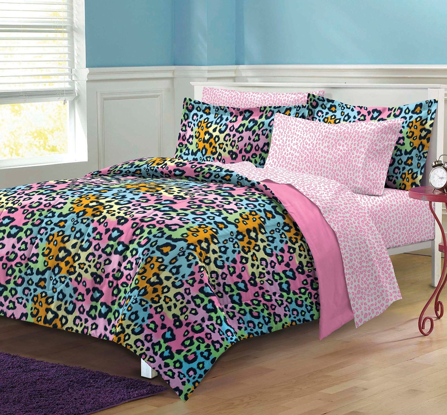 Funky comforters bedding bedroom ideas for tween teen Funky bedroom accessories