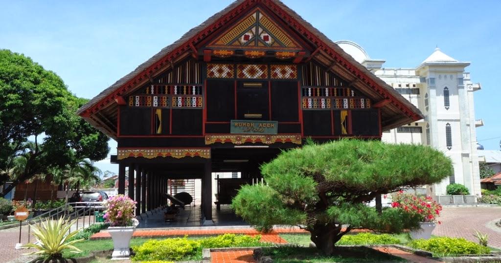 desain rumah bentuk rumah adat suku di indonesia 26 30