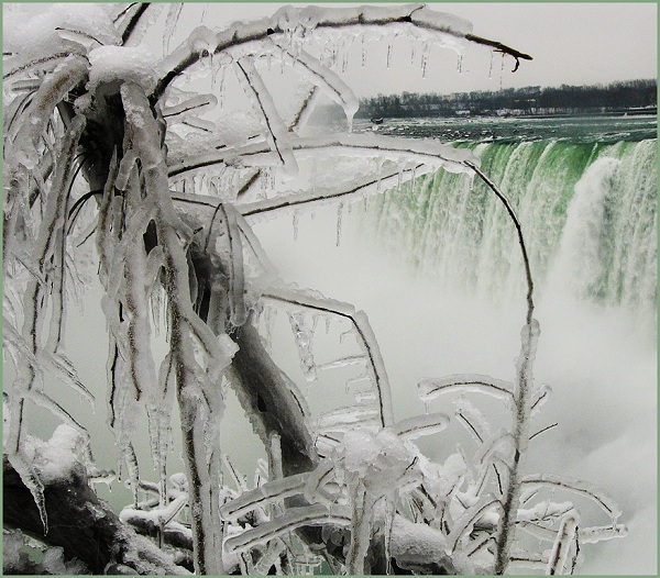 20121113 Suzanne+Opitz as Niagara+Freeze 2012   Monthly Competition: Mood of the Weather