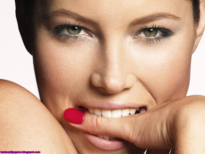 Jessica Biel-Lips ShowWallpaper