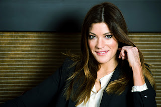 Jennifer Carpenter Smiling HD Wallpaper
