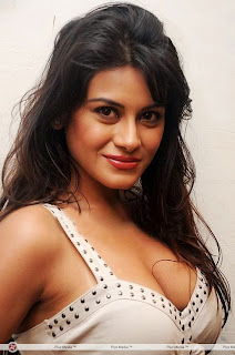Bindu Chowdary new Telugu Item Girl Lovely Cream Top Spicy Pics
