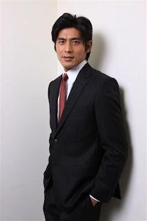 坂口 憲二(さかぐち けんじ、1975年11月8日 - )は、日本の俳...  坂口憲二 伊藤英