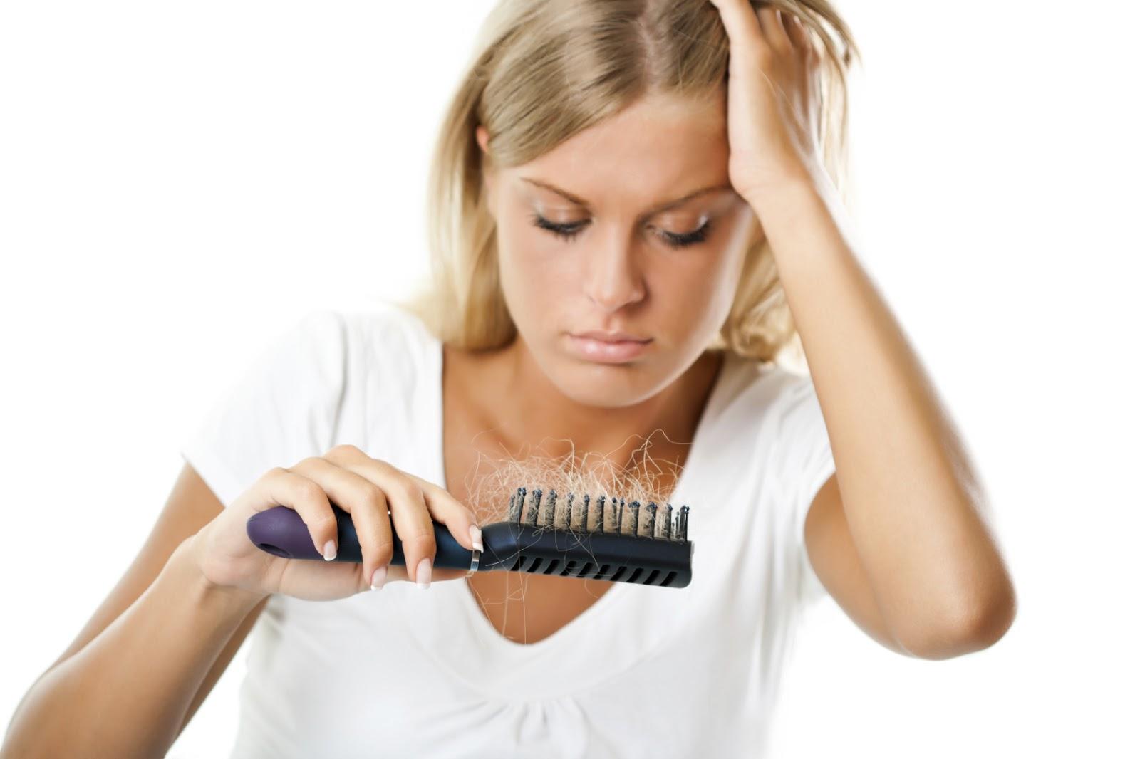 Saç tökülməsi psixologiyanı pozur