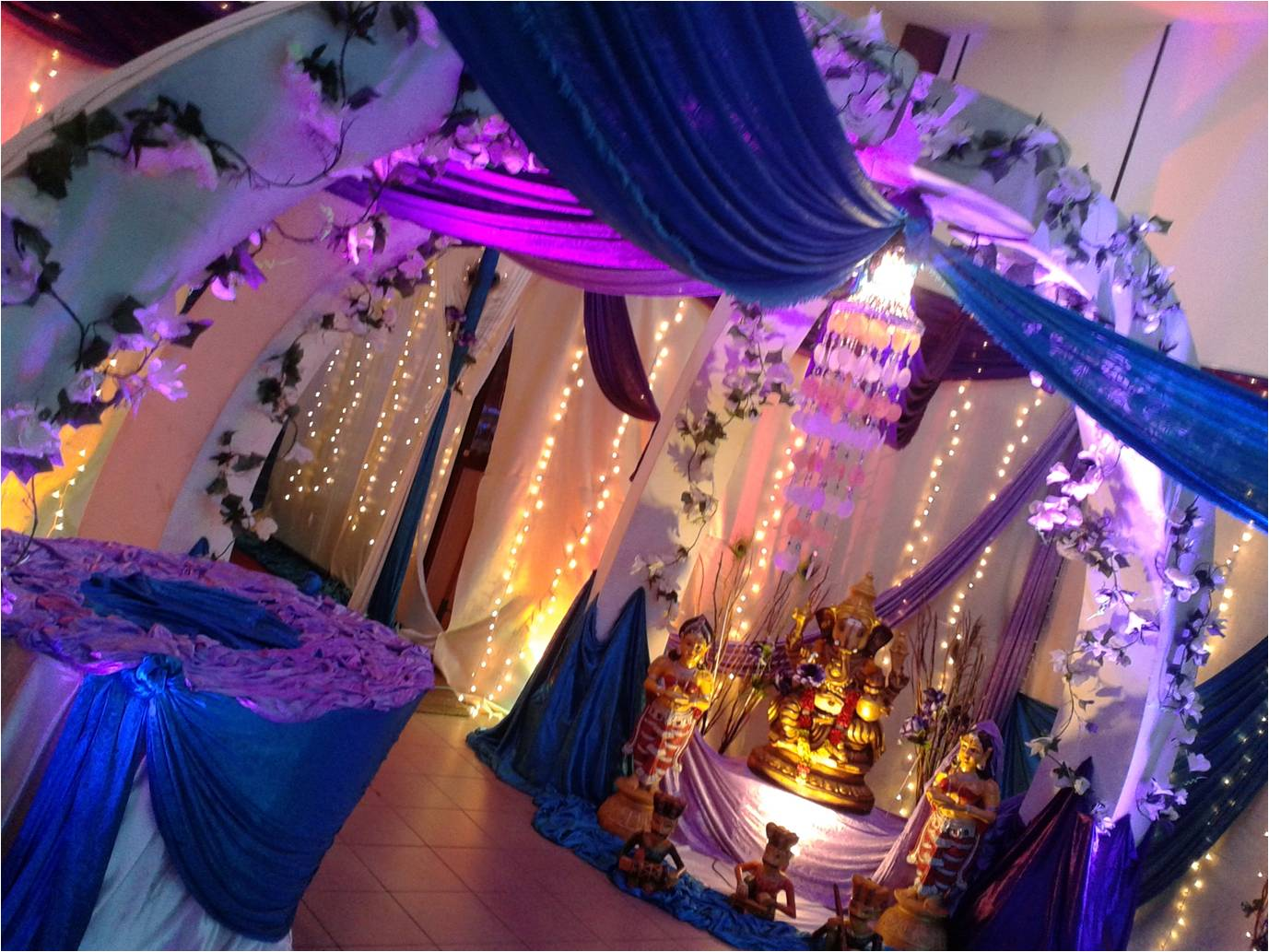 Kisha mega events 2013 it is one of the most beautiful entrance decoration which is suitable for indian wedding and dinner decoration junglespirit Image collections