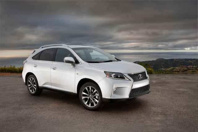 Front 3/4 view of 2013 Lexus RX 350 F sport