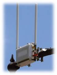 Antena WiFi sobre un semáforo