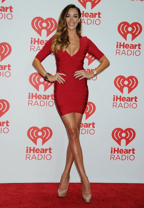 courtney bingham at iheartradio music festival latest photos