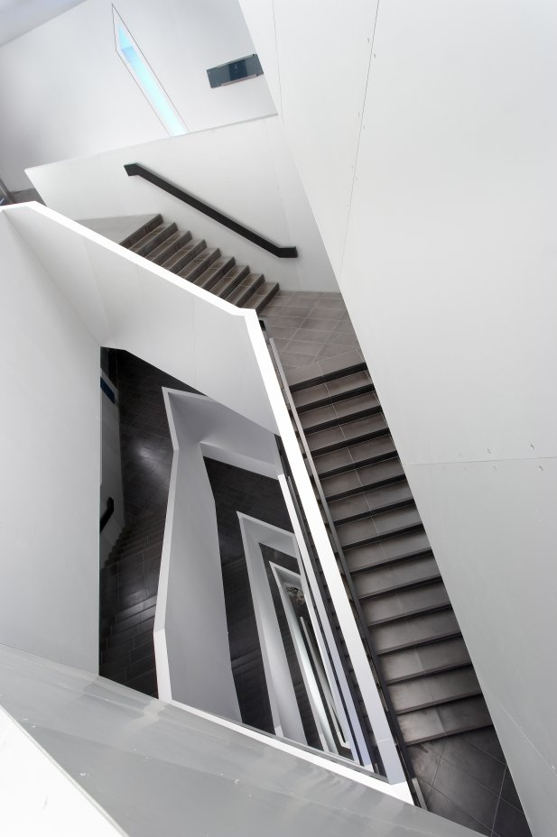 Royal Ontario Museum by Studio Daniel Libeskind and black and white staircase