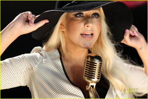 christina aguilera im ok lyrics