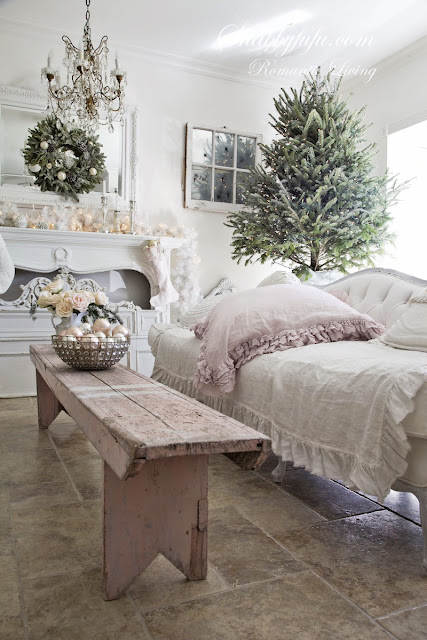 how to decorate for a shabby chic christmas/shabbyfufublog.com