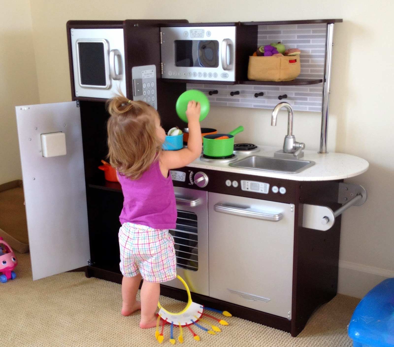 mom b a master s of my baby abilities the evolution of a play rh babyabilities blogspot com play kitchen babies r us play kitchen accessories for babies