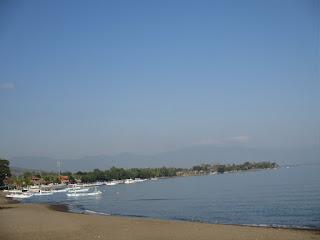 Tempat Wisata Pantai Lovina Buleleng Bali