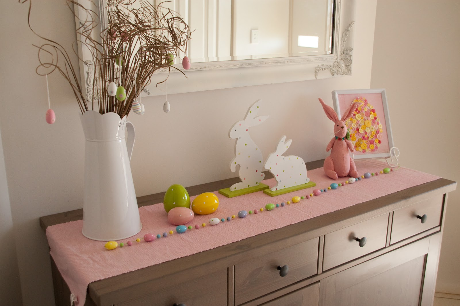 Http Bizzydayz Blogspot Com 2012 03 Easter Decor Html